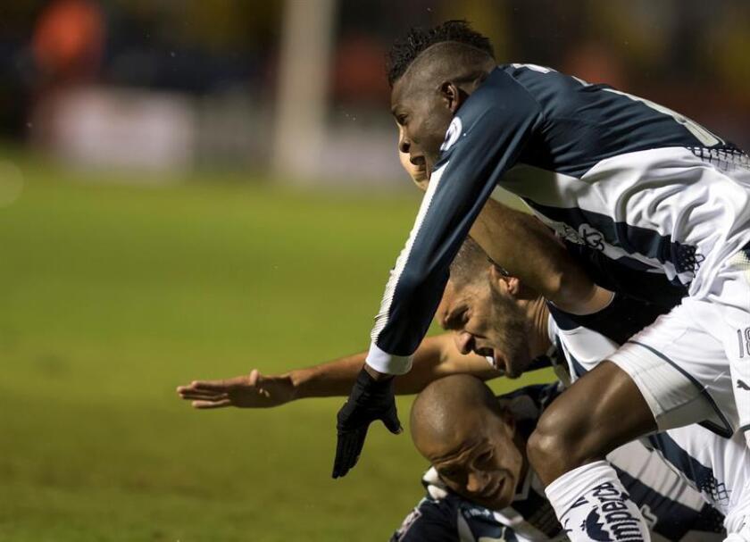 Un gol del argentino Lucas Albertengo (m.2) y un autogol de Elio Castro le dieron la victoria a los Rayados del entrenador Antonio Mohamed, mientras el ecuatoriano Vinicio Angulo descontó por los visitantes. EFE/Archivo