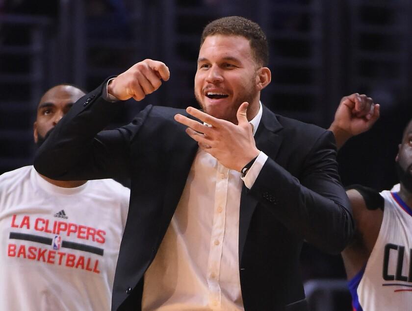 Blake Griffin continúa proceso de recuperación, regresaría con Clippers a final de mes.