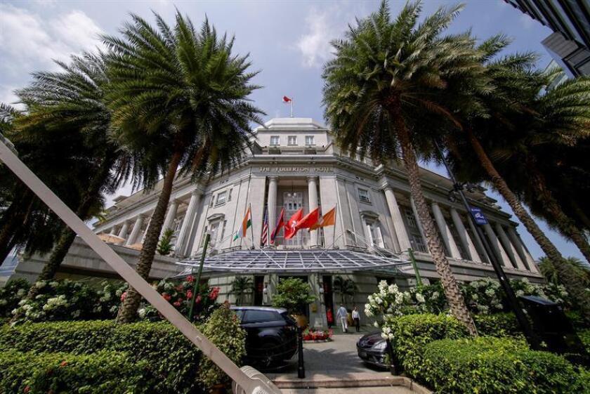 Fachada del hotel Fullerton en Singapur, hoy, 7 de junio de 2018. La Casa Blanca ha confirmado que el presidente de Estados Unidos, Donald Trump, y el líder de Corea del Norte, Kim Jong-un, se reunirán en el hotel Capella en una cumbre histórica el próximo 12 de junio. EFE