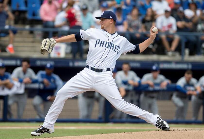 En la imagen, el jugador Eric Lauer de los Padres de San Diego. EFE/Archivo