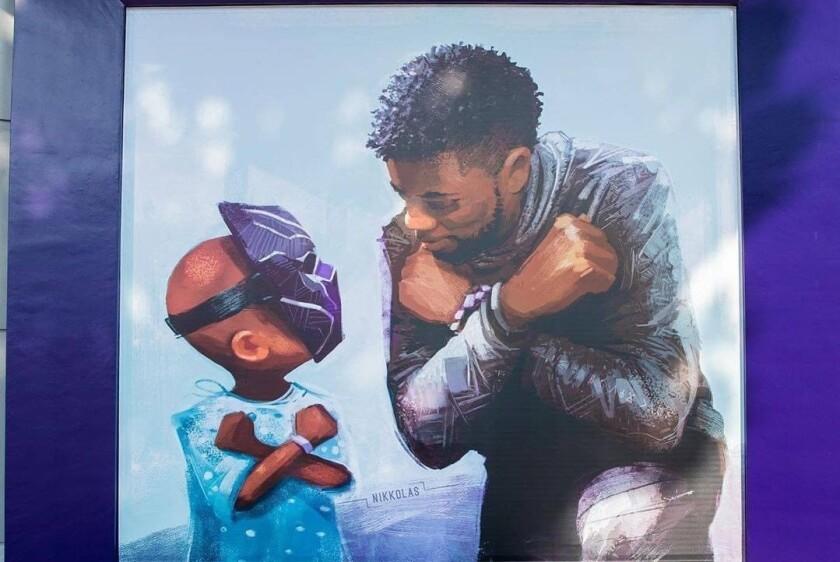 Chadwick Boseman es inmortalizado en esta pintura en Disneyland.