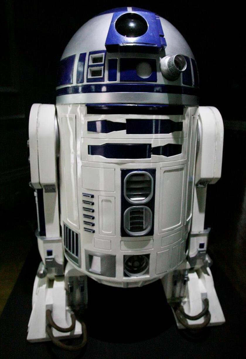 Vista de un robot R2D2 que aparece en la serie de películas Star Wars. EFE/Archivo