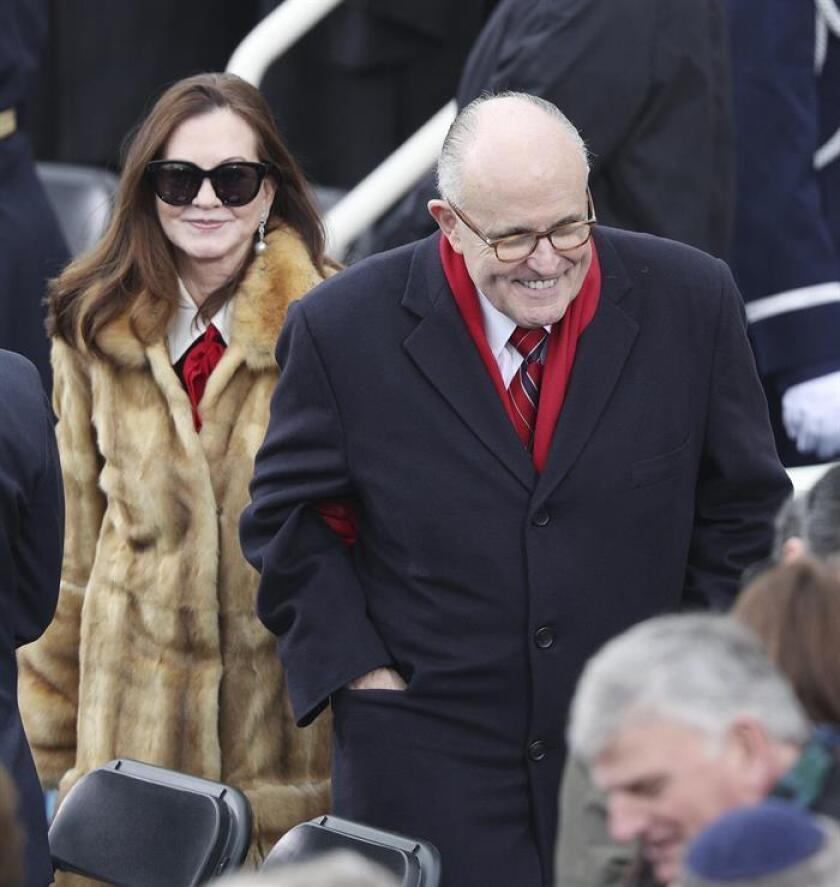 El exalcalde de Nueva York Rudy Giuliani y su esposa, Judith, han iniciado un proceso de divorcio después de 15 años de matrimonio, informaron hoy medios locales. EFE/ARCHIVO