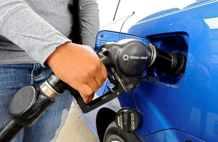 El petróleo de Texas se desploma un 6,7 % y cae a 42,53 dólares el barril