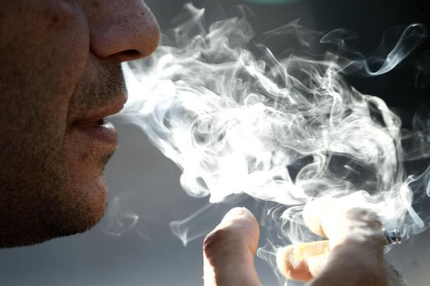 El previsible veto que la Administración de Alimentos y Medicamentos (FDA, por sus siglas en inglés) anunciará la próxima semana a la venta de cigarros mentolados ha arrastrado a las empresas tabaqueras en Wall Street, que se dejaban hoy entre un 1,7 % y un 2,7 %. EFE/ARCHIVO