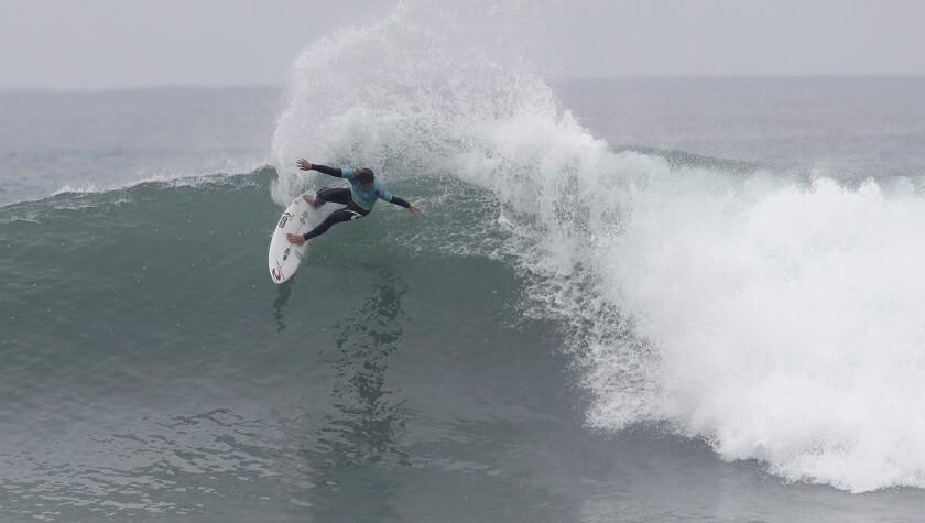 Conner Coffin, de Santa Bárbara, surfa nas finais da WSL em Trestles Beach.