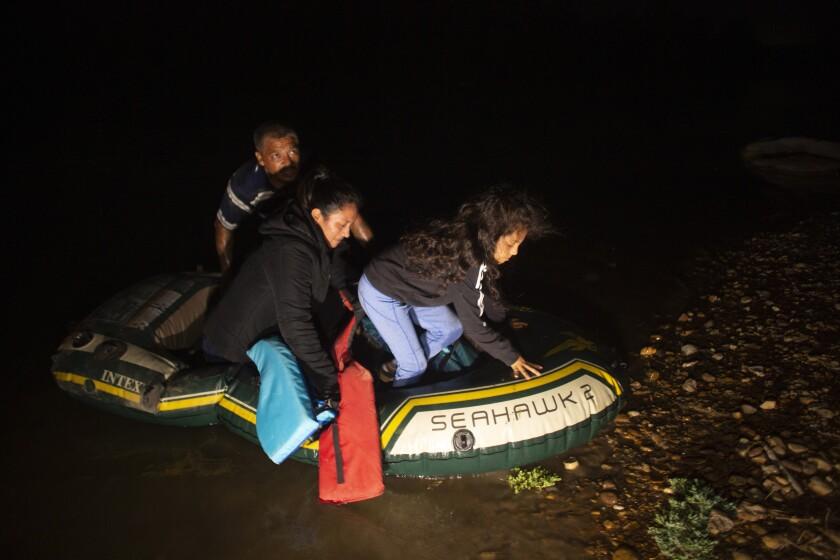 Multimillonarios contratos para alojar a niños migrantes