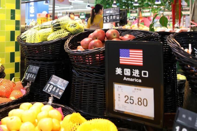El presidente, Donald Trump, ordenó hoy la preparación de nuevos aranceles del 10 % a productos importados de China por valor de 200.000 millones de dólares. EFE/ARCHIVO