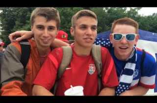 Video: Chicago World Cup fans crowd Grant Park