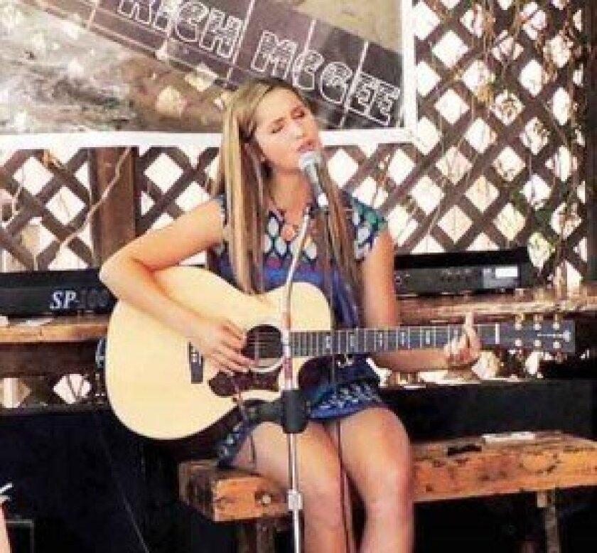 Singer-songwriter Roxy King. Photo by Cynthia Robertson