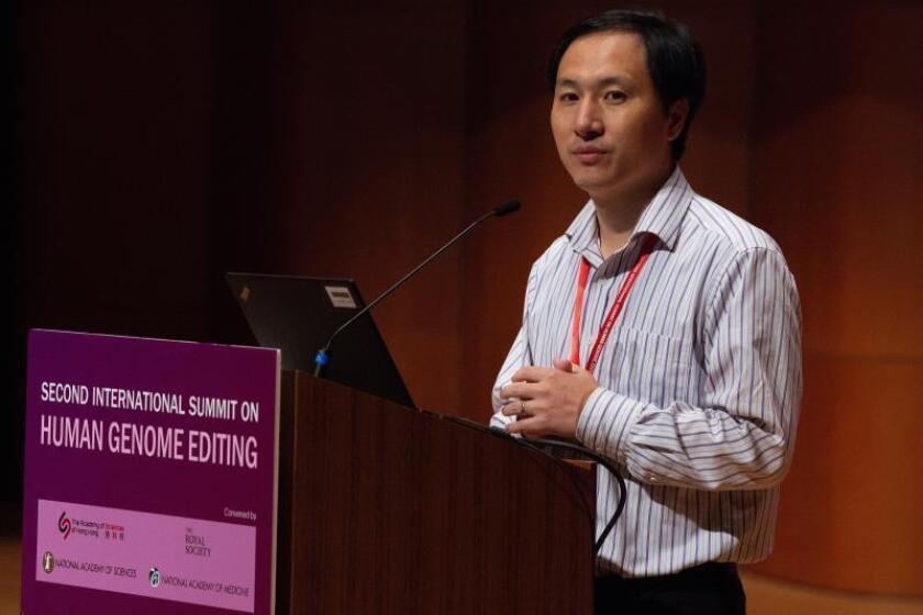 El científico chino He Jiankui presenta su trabajo en la II cumbre internacional sobre Edición del Genoma Humano en la Universidad de Hong Kong (China). EFE/Archivo
