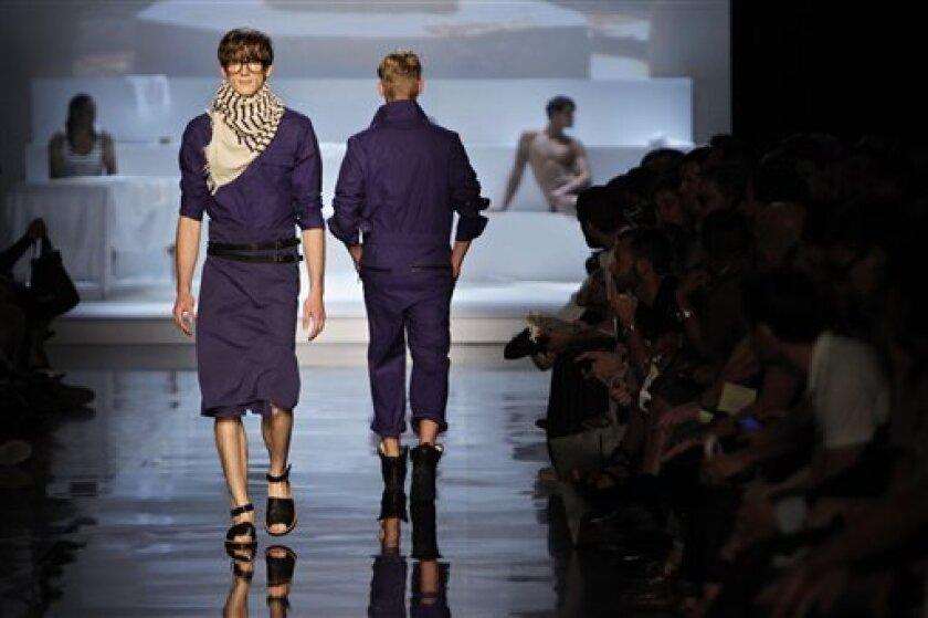 Paris Menswear Designers Break Out Jesus Sandals The San Diego Union Tribune