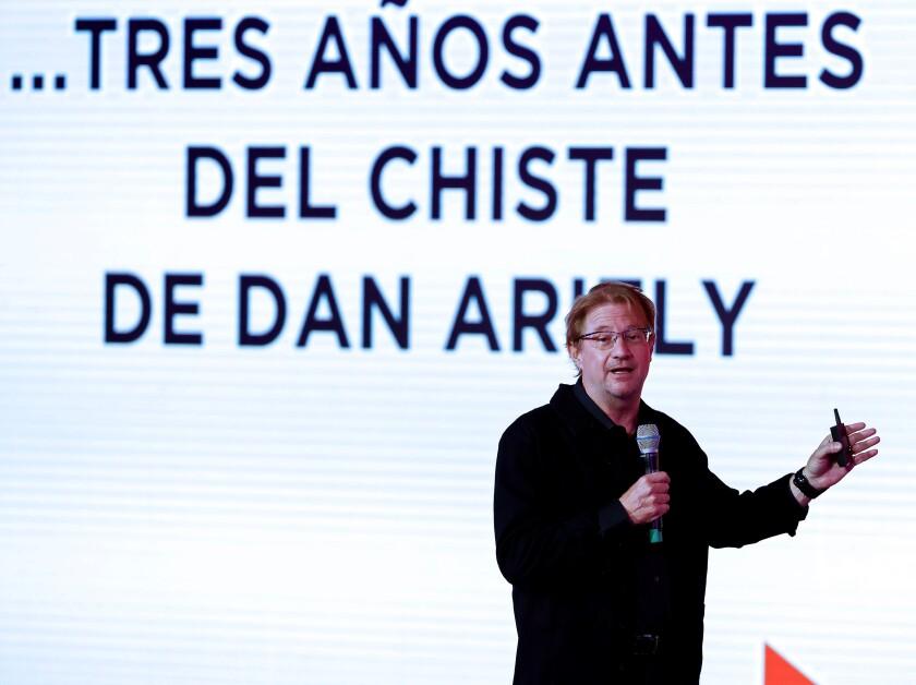 Fotografía de archivo fechada el 21 de agosto de 2019, que muestra al periodista y economista, Andrés Roemer