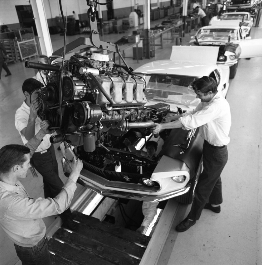1969-Ford-Boss-429-Mustang-assembly-line