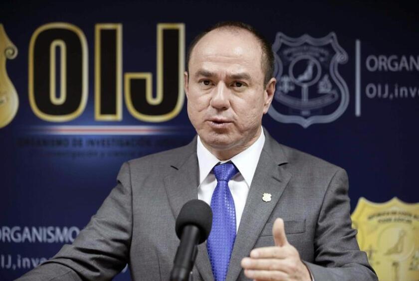 El director del Organismo de Investigación Judicial de Costa Rica (OIJ), Walter Espinoza, habla en una conferencia de prensa en San José (Costa Rica). EFE