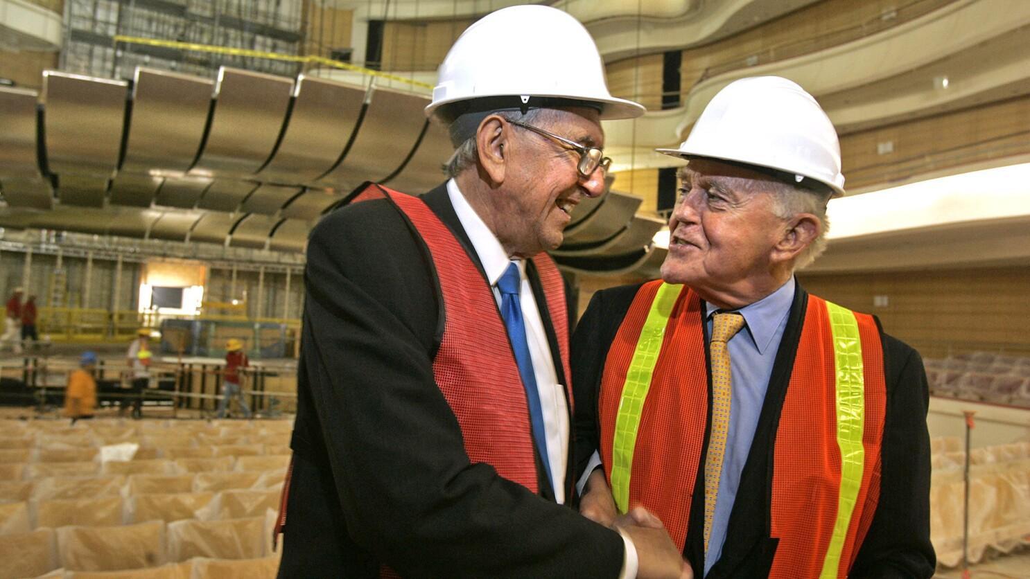 Cesar Pelli, U.S. architect who altered skylines, dies at 92