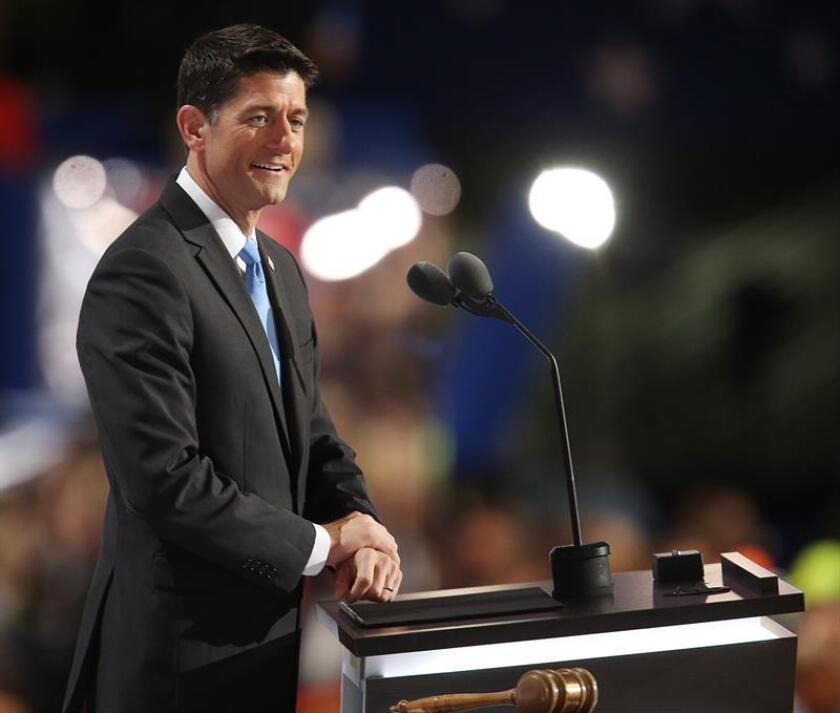 El aspirante republicano a la Casa Blanca, Donald Trump, rechazó hoy dar el apoyo a las candidaturas de dos pesos pesados de su partido críticos con él: el presidente de la Cámara Baja, Paul Ryan, y el prestigioso senador John McCain.