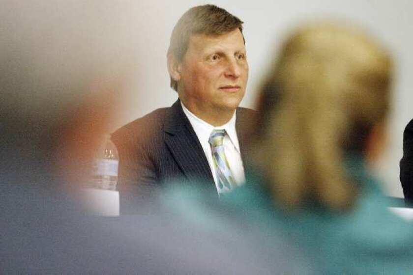 Glendale Mayor Ara Najarian accuses HOA of potentially discriminatory actions