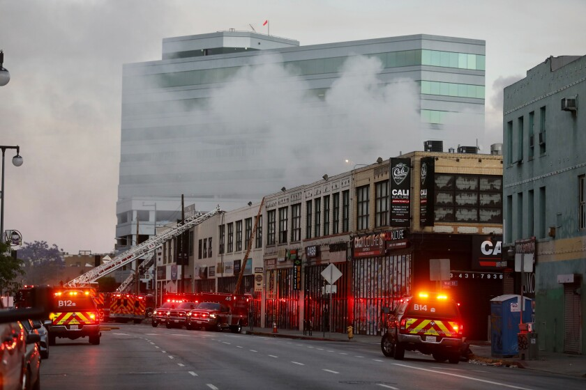 la-me-downtown-fire