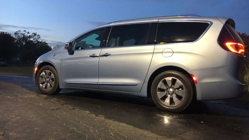 A 2017 Chrysler Pacifica plug-in hybrid minivan. Fiat Chrysler recalled 1,375 of the plug-in minivans this year due to stalling, and now the Center for Auto Safety has petitioned to extend that recall to gasoline-powered models.