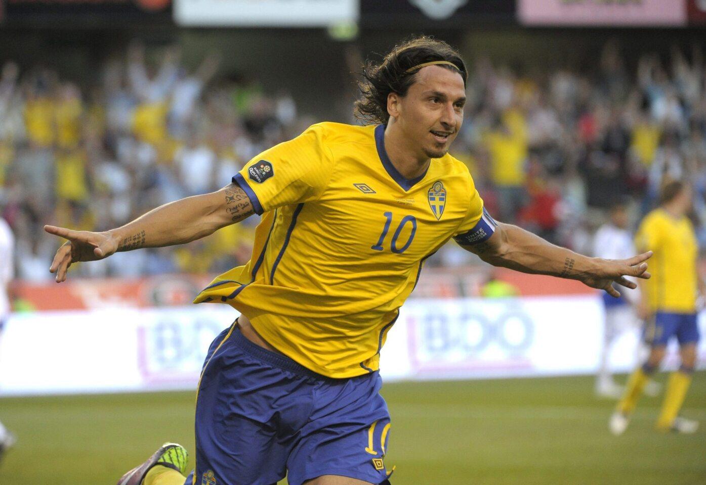 Con su equipo nacional, es el máximo goleador en la historia de Suecia, con 62 tantos. En 2012, anotó 11 tantos, mientras que en 2015 colaboró con otros 11.