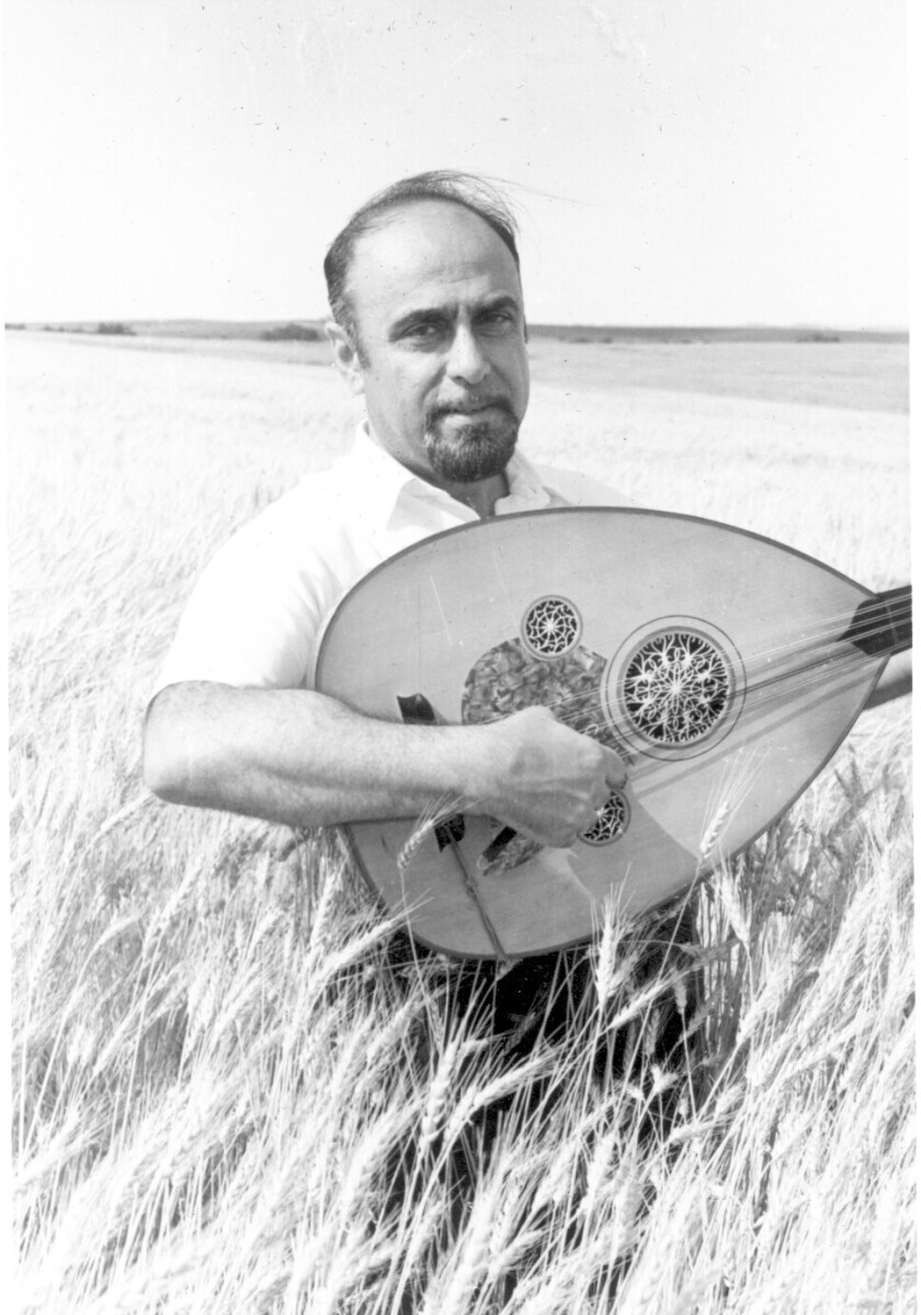 Guy Chookoorian and his oud.