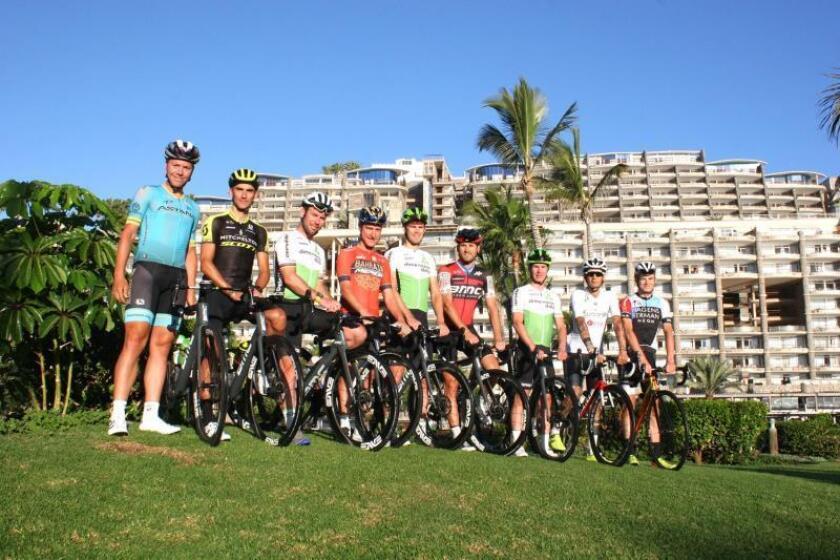 Fotografía facilitada por ANFI GROPUP. En la imagen: Michael Valgren(Astana); R.Kreuziger (Mitchelton-Scott); M.Cavendish (ProTeam Dimension Data); E.Gasparotto; T.Slagter; J.Vermote; D.Wyss ; K.Vacek; S.Checchini; (i-d), se concentran estas Navidades en Anfi y Gran Canaria para preparar el asalto del Giro y Tour de Francia. EFE/ANFI GROPUP