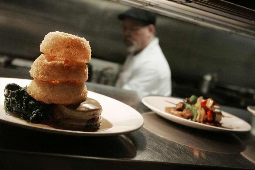 Los Ángeles le quiere escoger la dieta a sus habitantes: ¿Quién dijo vegana?