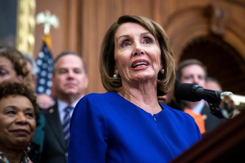 La presidenta de la Cámara Baja, la demócrata Nancy Pelosi, ofrece una rueda de prensa sobre el proyecto de ley anticorrupción HR 1 en el Capitolio, en Washington, Estados Unidos, el 4 de enero de 2019. EFE/Archivo
