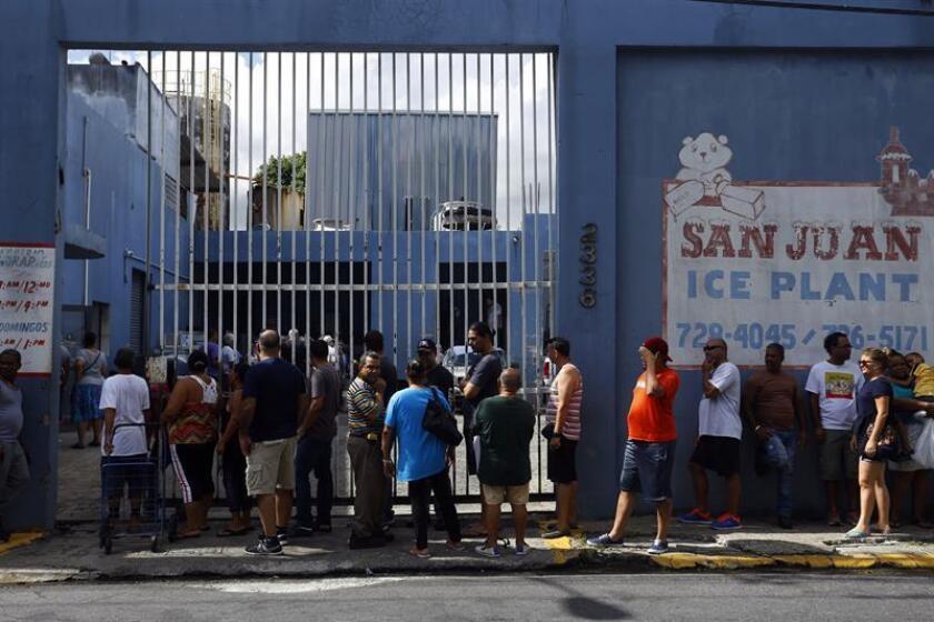 El Departamento de Salud de Puerto Rico firmó hoy un acuerdo con la Asociación de Industriales de Hielo, con el fin de que las plantas de procesadoras de hielo ofrezcan información para agilizar los servicios y garantizar la calidad del hielo durante y luego de una emergencia. EFE/Archivo