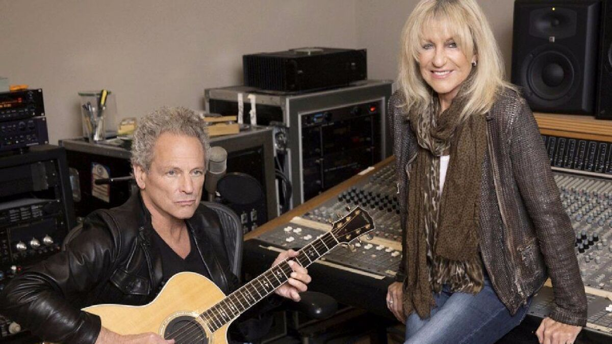 Fleetwood Mac's Lindsey Buckingham and Christine McVie add