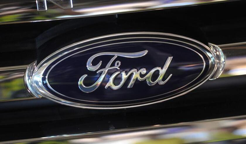 Fotografía de archivo del 17 de enero de 2012, que muestra el logo de Ford en la planta de la compañía en Broadmeadows, Melbourne (Australia). EFE/SOLO USO EDITORIAL