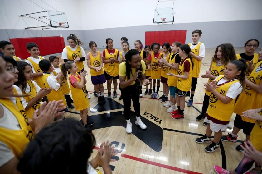 tn-blr-me-basketball-clinic-20200214-5