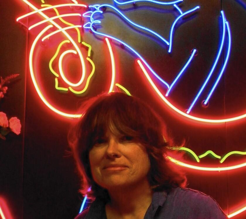 Chat & Selfie: Lili Lakich