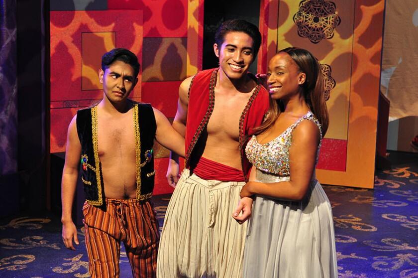 """Una escena de la nueva puesta en escena de """"Aladdin"""", donde se muestra la diversidad que se ha obtenido en el plano del reparto."""