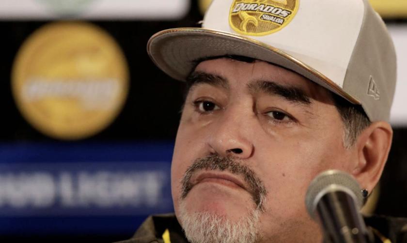 Diego Armando Maradona, entrenador de los Dorados de Sinaloa (Segunda División de México).