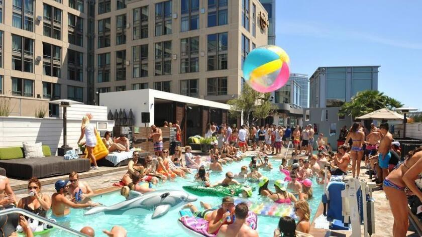 Sunburn Pool Party (Jared Gase)