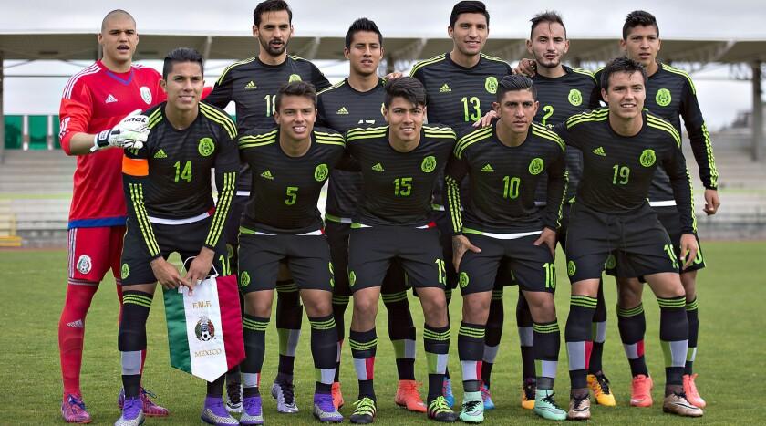 La selección mexicana de futbol que jugará en Río 2016 está en la mira de todos.