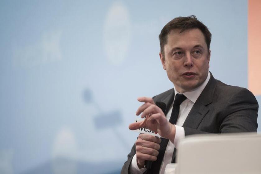 CEO of SpaceX and Tesla Motors Inc., Elon Musk speaks during the StartmeupHK Festival in Hong Kong, China, 26 January 2016. EFE/EPA/File