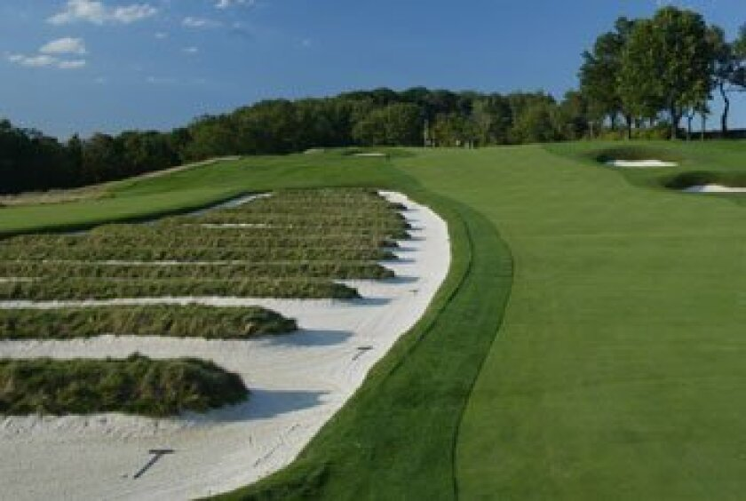 Church pew bunkers on the third hole of the Oakmont Country Club, site of the 2007 U.S. Open. Rick Stewart/Getty Images