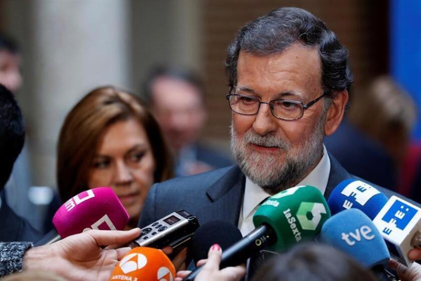 El presidente del Gobierno, Mariano Rajoy,contesta a las preguntas de los periodistas. EFE/Archivo