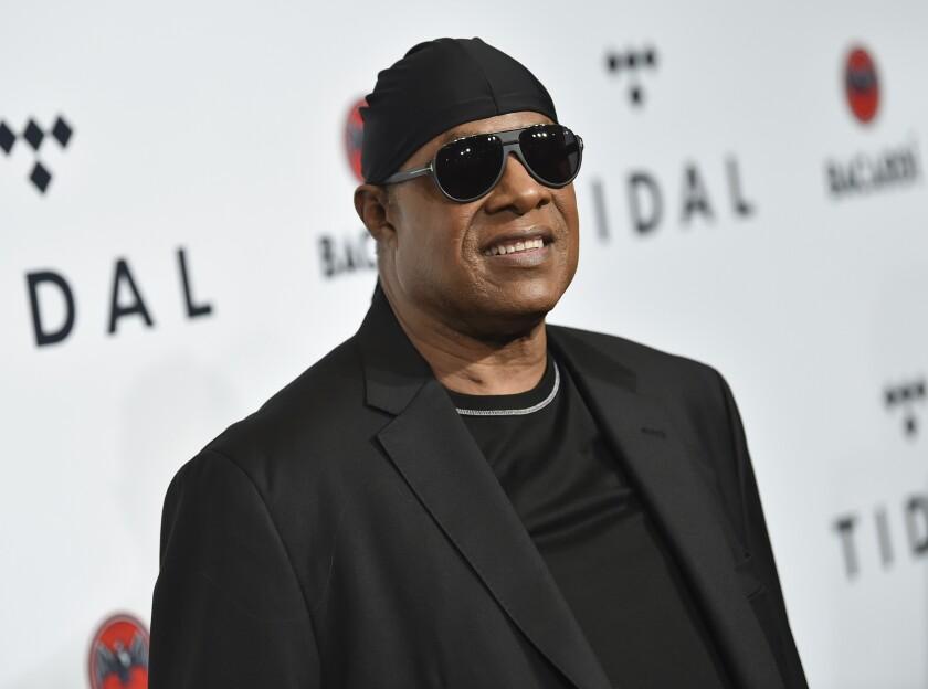En esta foto del 17 de octubre de 2017, Stevie Wonder