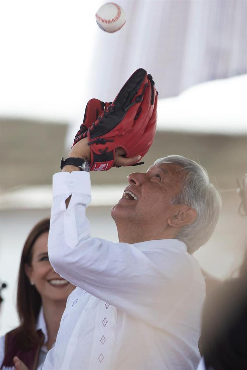 Andrés Manuel López Obrador, presidente de México, participaba el lunes 30 de abril de 2018 en un acto de campaña en el municipio de Tepeaca, Puebla (México). EFE/Archivo