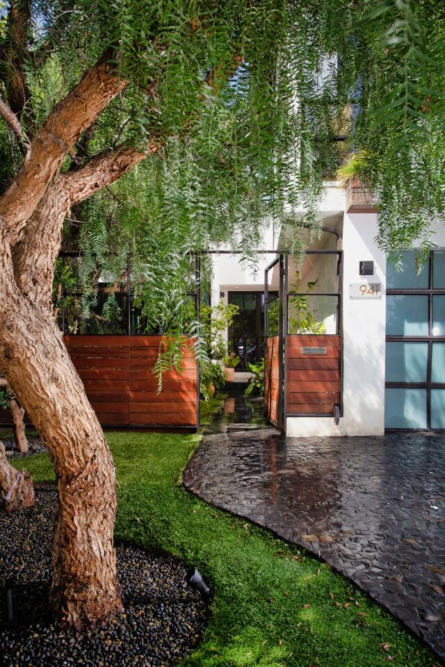 Kim Gordon's Venice home | Hot Property
