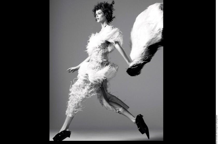 La adolescente posó para la versión británica de Vogue y presumió en redes sociales parte del trabajo.