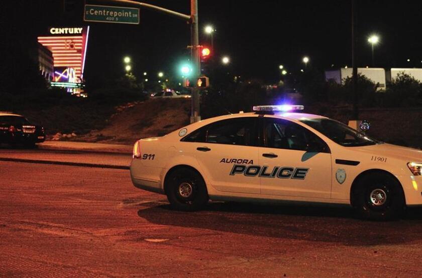 """La policía de Edgewater, un suburbio al oeste de Denver, anunció hoy el arresto de una pareja de adolescentes hispanos como los principales sospechosos de haber asesinado """"al azar"""" la semana pasada a un hombre que había ido a un restaurante a buscar un pedido de comida. EFE/ARCHIVO"""