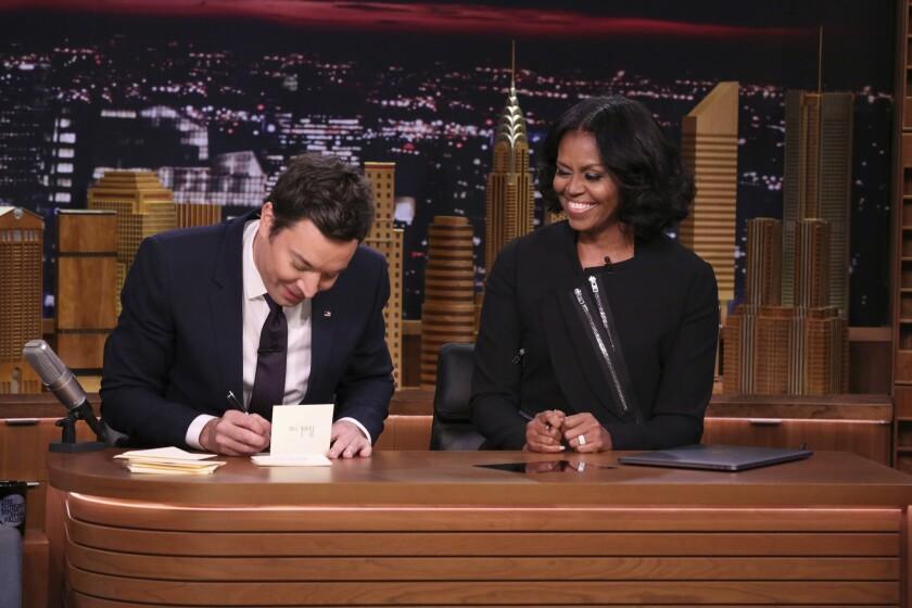 Jimmy Fallon y Michelle Obama (Andrew Lipovsky/NBC via AP