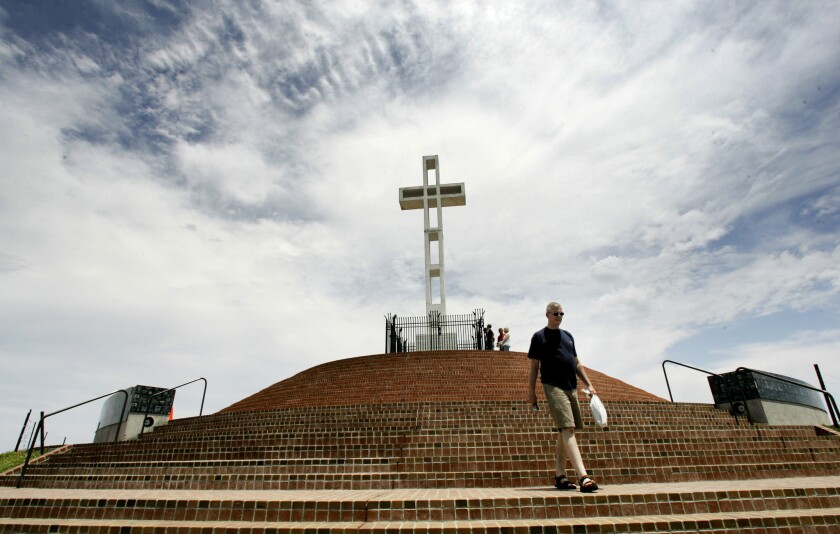 Us Supreme Court Declines To Take Up >> U S Supreme Court Declines To Take Up Mt Soledad Cross Case Los