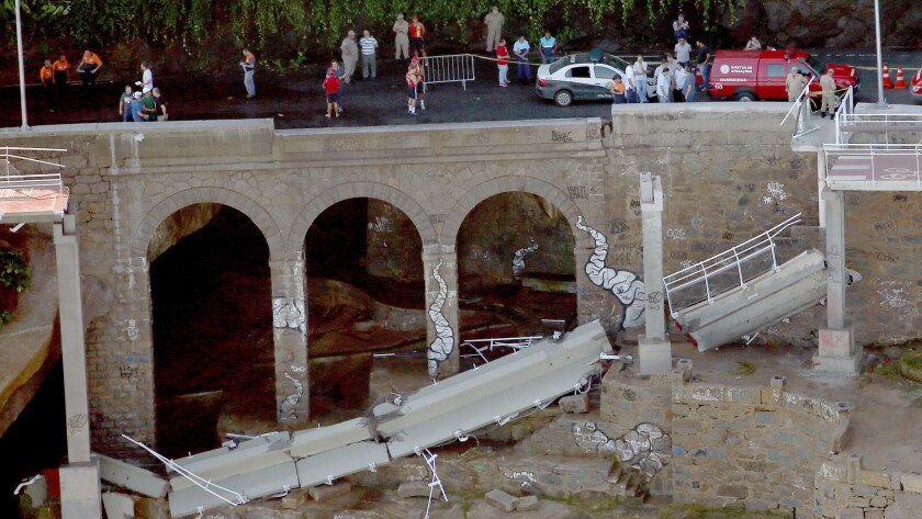 A bike path built in anticipation of the Rio Olympics collapsed on April 21, killing two people.