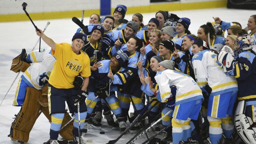 Women S Hockey Players Announce Boycott Of Any North American Pro